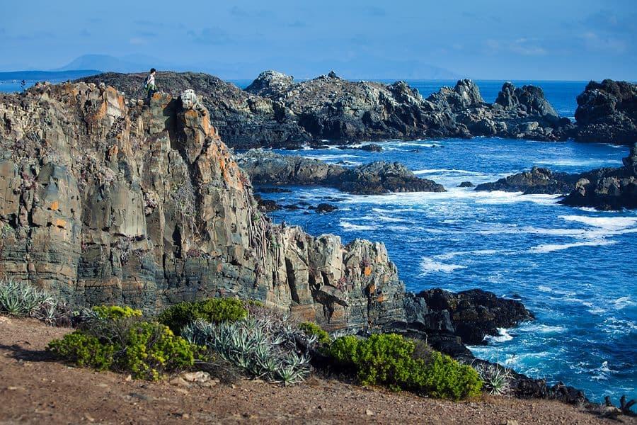 Красота скал на побережье Чили